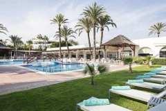 melia-marbella-banus-9-zwembad-bedden